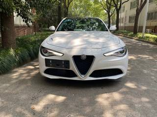 阿尔法罗密欧Giulia 2.0T